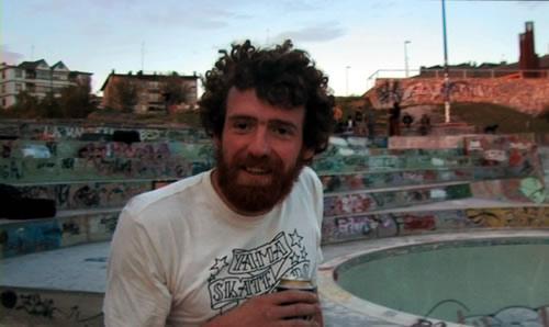 «Danger Dave», un skateur en roue libre